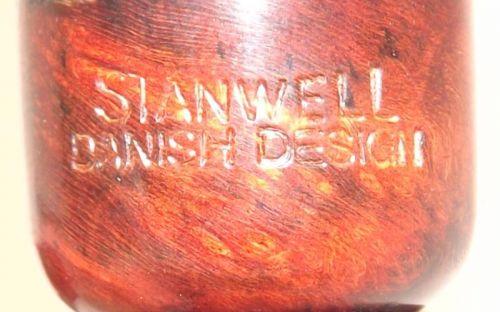 pfeifenshop: Stanwell Jahrespfeife 2012 Black Sand Smooth Top