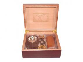 pfeifenshop: Humidor mit GeschenkSet - Bordeauxrot, spanischer Zeder, für 40 Zigarren