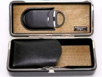 Reisehumidor - für 4 Zigarren, schwarz + Zigarrenabschneider